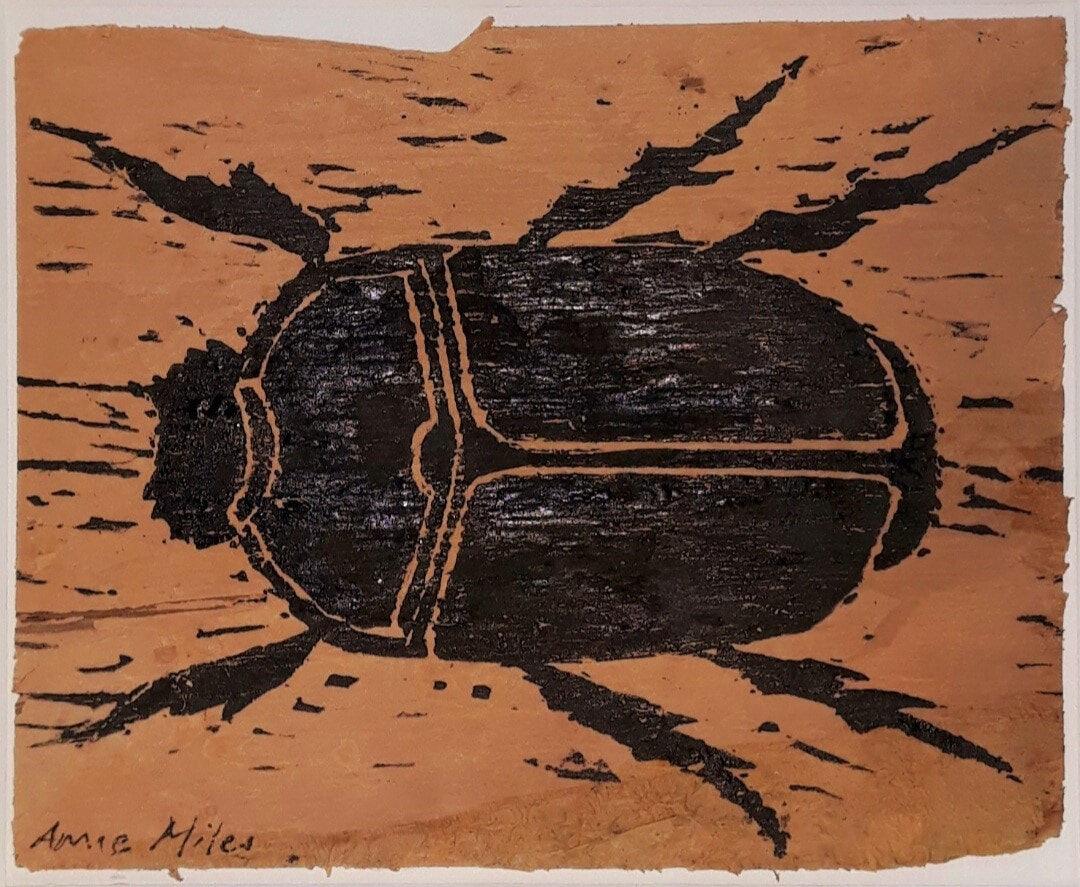 AnneMilesSala-BlackBeetle-WoodcutOnPaperbark-11x13.5cm